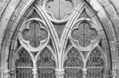 Venster, tracering, detail, tijdens restauratie