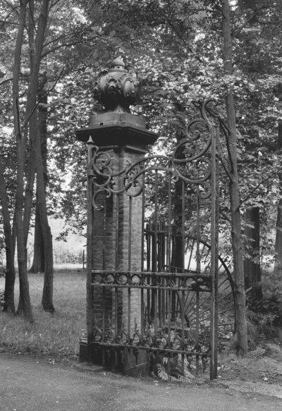 Engelenburg, hekpijlers