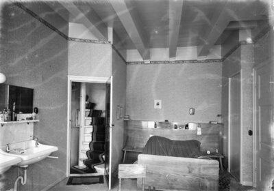 Zijl D 34, Apotheek, interieur