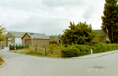 Crooswijck, achtererven Hoenderweg.