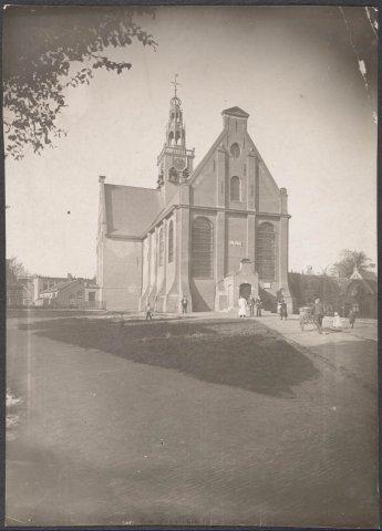 Zaandam Westzijde N.H. Kerk zgn. 'Bullekerk' Er zijn verschillende restauraties geweest in de jaren 1692, 1711, 1833, 1899, 1910, 1937, 1969-1975