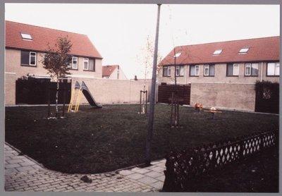 Zaandam. Schardamstraat. Speelplaats.