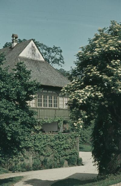 Fotografie   Pratteln, Jörin-Park, Gemeindestube