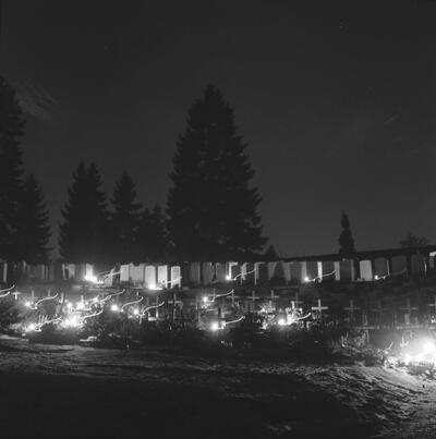 Fotografie   Liestal, Weihnacht auf dem Friedhof