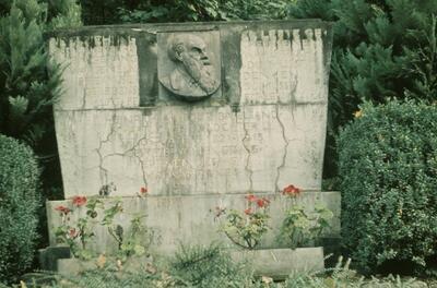 Fotografie | Wintersingen, Denkmal für Sängervater Heinrich Grieder