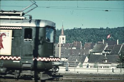 Fotografie | 100 Jahre Schweizer Bahnen, geschmückte Lokomotive