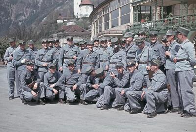 Fotografie   Aktivdienst, Offiziere & Adjudanten, Brieftauben-Off.-Kurs Flüelen