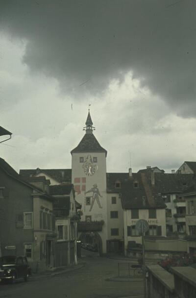 Fotografie   Liestal, Obertor (Törli) von aussen, Wolkenstimmung