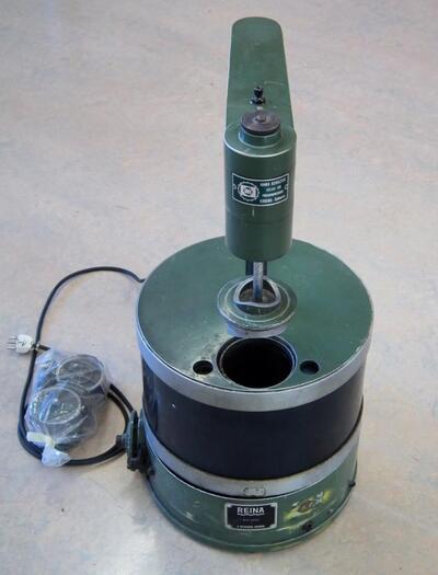 Reinigungsmaschine für Kleinteile mit Ultraschall