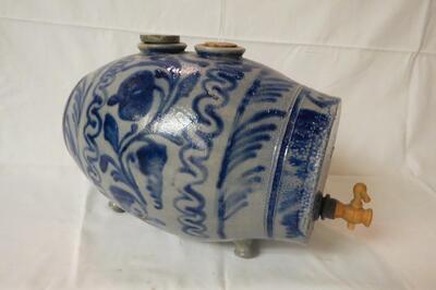 Weinbehälter aus Keramik