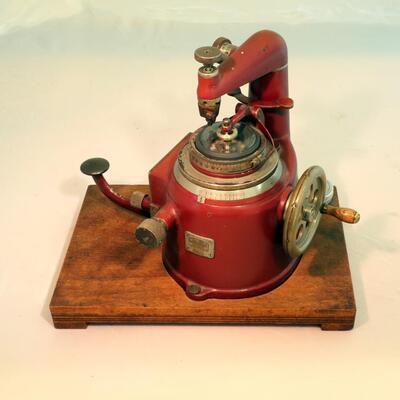 Glasschneideapparat (Uhren, Brillen)