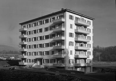 Mehrfamilienhaus in Laufen (Nau)