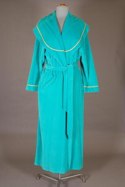 Samt-Hausmantel, mintgrün, breiter Schalkragen, goldfarbene Flechtbänder, für Damen