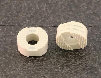 Modelle von Implantaten für die Fusion von Rückenwirbeln: Anterior für Halswirbelsäule
