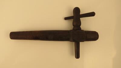 Fasshahn aus Holz, klein