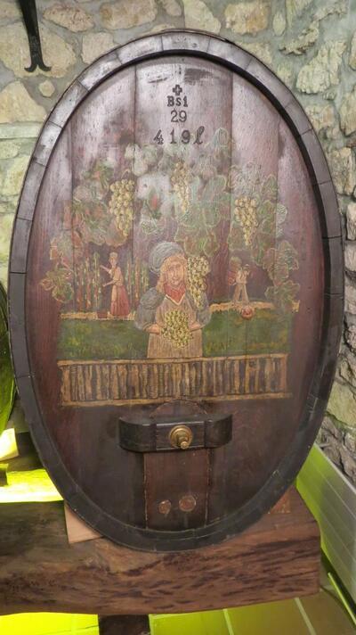Weinfass aus Holz, oval, 419 L