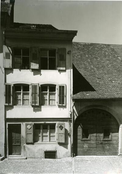 Altstadt, Kanonengasse, Gebäude