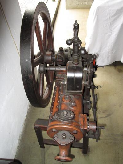 Peschath és Roth típusú stabilmotor