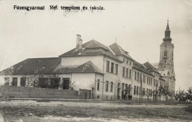 Füzesgyarmat, református templom és iskola