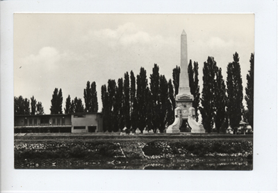 Üdvözlet Győrből – A Cziráky-emlékmű obeliszkje