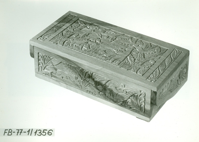 Faragás /Egy részes figurás fedelű kulcsos doboz/