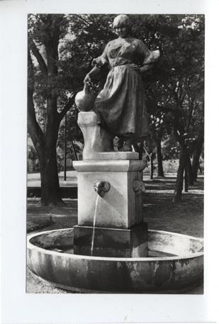 Vízhordó lány szobra, Hódmezővásárhely