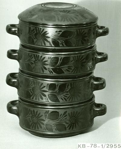 Fekete kerámia /Négy részes ételhordó fedővel /