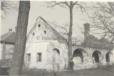 A legrégibb Kerkápolyi kúria, később Tobak-ház romja