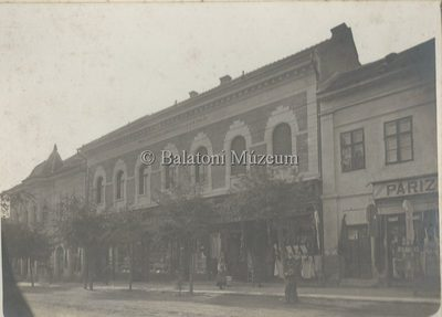 Keszthely Kossuth utca, Bakacs utca sarok