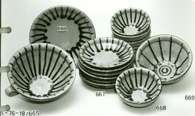 Kerámia /bableveses nagy tál, lapos tányérok, kuglóf sütő formájú tál/