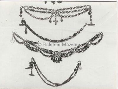 Szaruláncok a Balatoni Múzeum néprajzi gyűjteményéből
