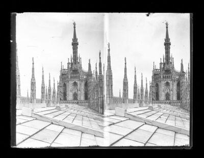 Födém és tornyok a Milánó dómon