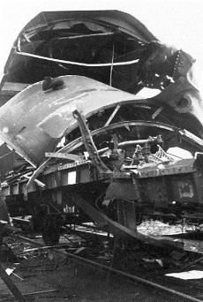 Megrongálódott vasúti szerelvény
