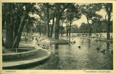 Debrecen. Nagyerdei hévízfürdő