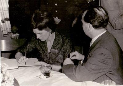 Tyereskova Grosz István igazgatóval