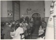 Vendégek a Kis Kakukk étteremben, fénykép