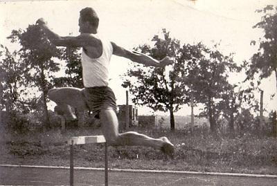 Asztalos Ferenc akadályfutáson