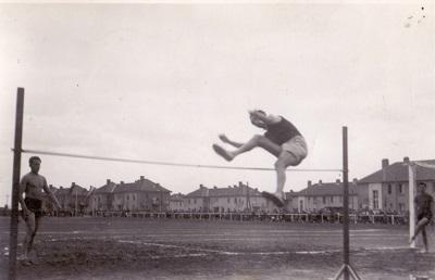 Asztalos Ferenc magasugró versenyen