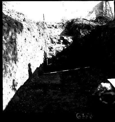 Negatív, ásatás, Kéttornyúlak