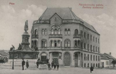 Mátyásovszky palota a Zsolnay szoborral