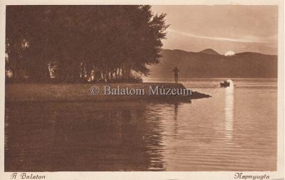 A Balaton. Napnyugta