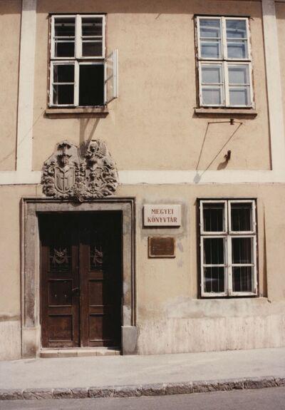 Baranya Megyei Könyvtár külső és belső fotói