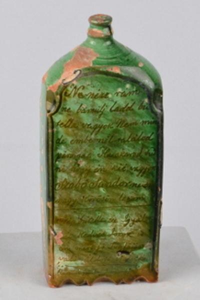 Feliratos butélia