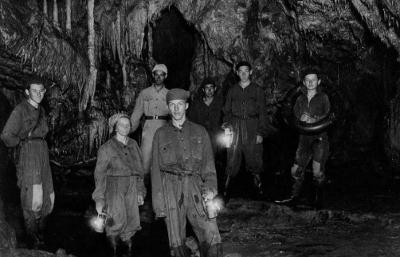Kirándulás a Béke-barlangba