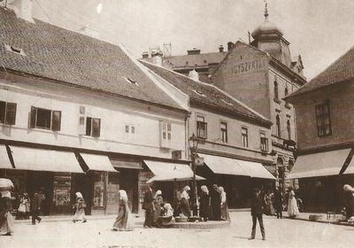Jókai tér az Elefántos házzal 1900-ban