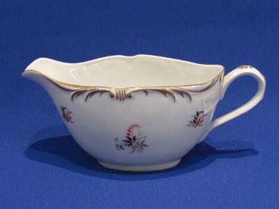 Szószos kiöntő, porcelán