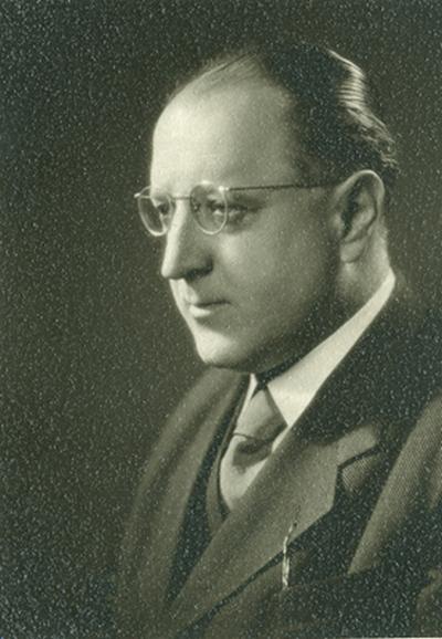 Benyovszky Pál félprofilban (2 darab)