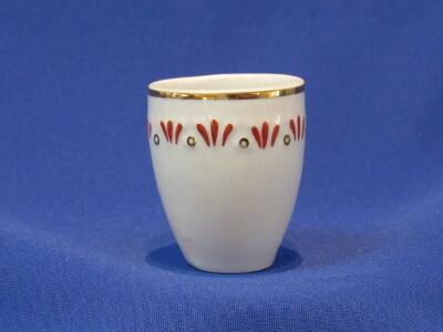 Likőrös pohár, porcelán