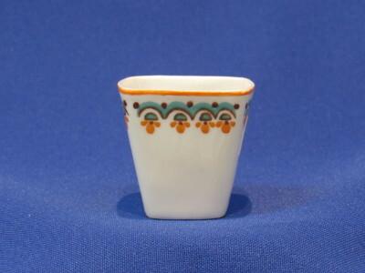 180. Likőrös pohár, porcelán