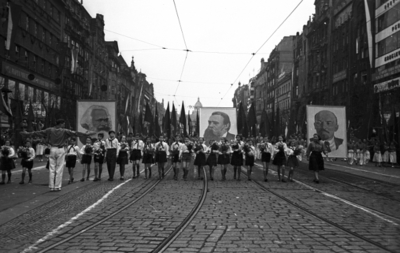 Felvonulók Prágában